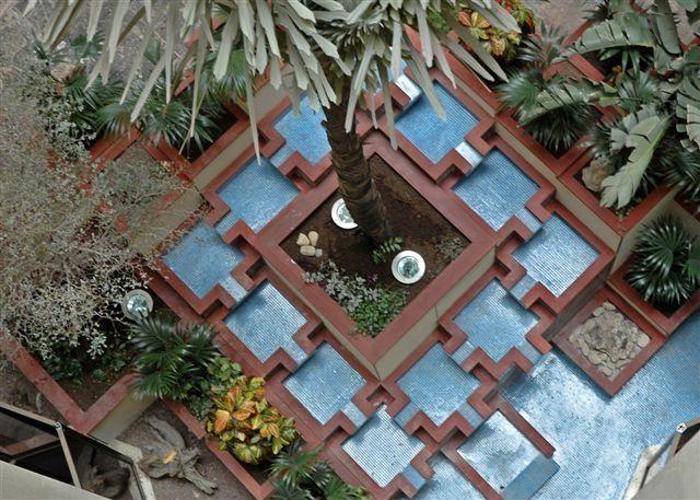 jardini res et bassins en bois pour une ambasse centerblog. Black Bedroom Furniture Sets. Home Design Ideas